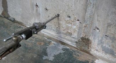 Muren injecteren met professioneel gereedschap