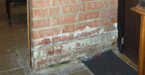 salpeter verwijderen bij vochtige muren - online advies, Badkamer