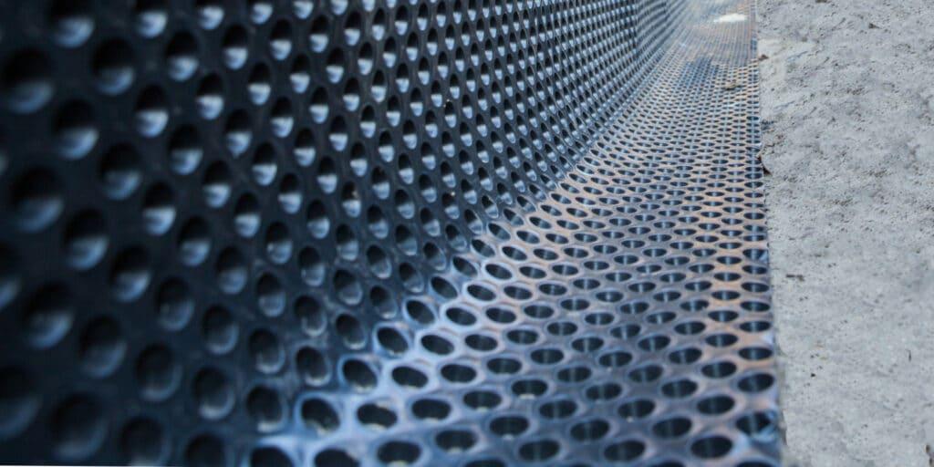 Water in kruipruimte: mogelijke oplossingen en hun prijzen